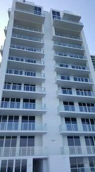 Weichert Luxury Suites - Downtown Miami