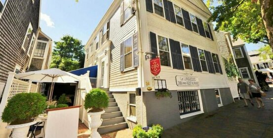 Languedoc Inn & 3 Hussey St Guest House
