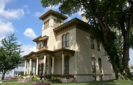 The Pepin Mansion Bed & Breakfast