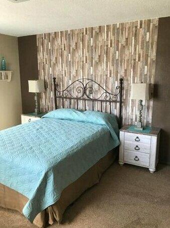 New Albin Inn & Suites