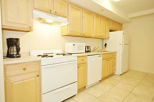 39th Street Suites- Photo4