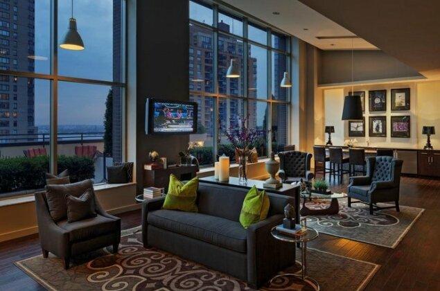 Global Luxury Suites at 90 Washington- Photo3