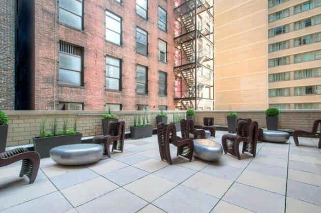 Global Luxury Suites at Ritz Plaza- Photo2