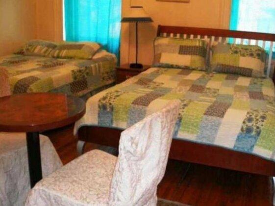 Harlem Landmark Bed and Breakfast Annex- Photo3