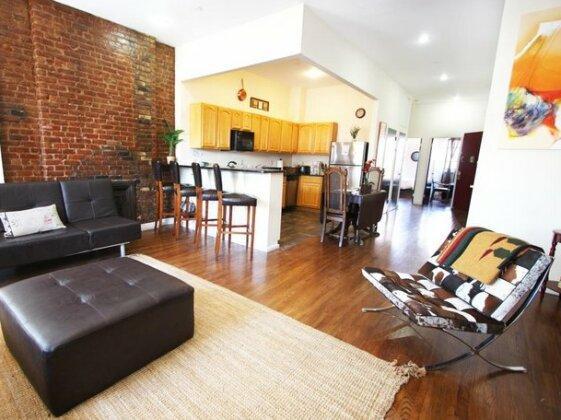 Lenox Ave Unit 4 by Luxury Living Suites- Photo2