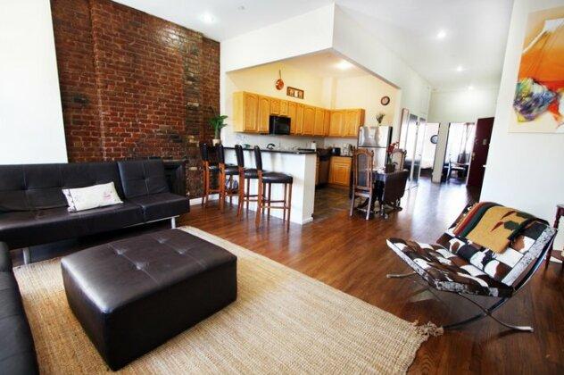Lenox Ave Unit 4 by Luxury Living Suites- Photo3