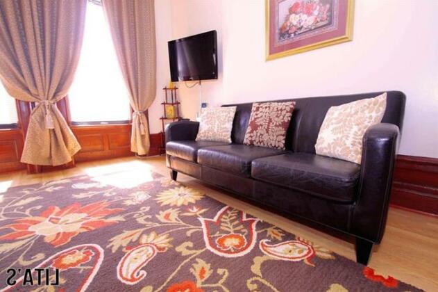 Lita's New York Apartments- Photo3