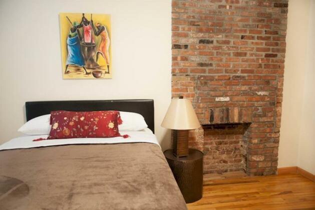 Luxury Suites Upper West Brownstone- Photo4