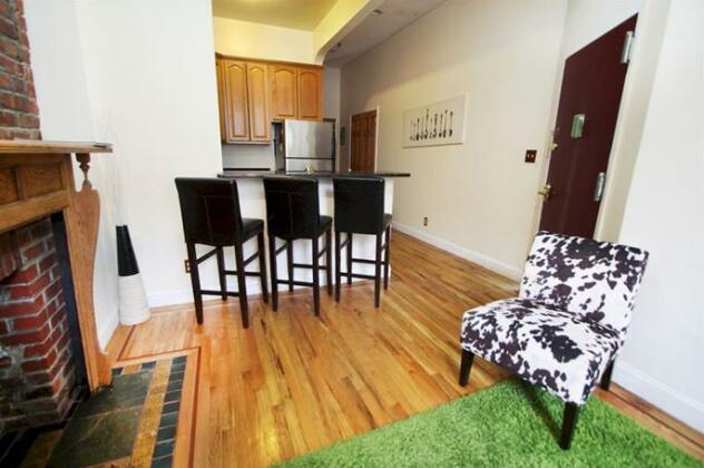 Luxury Suites Upper West Brownstone- Photo5