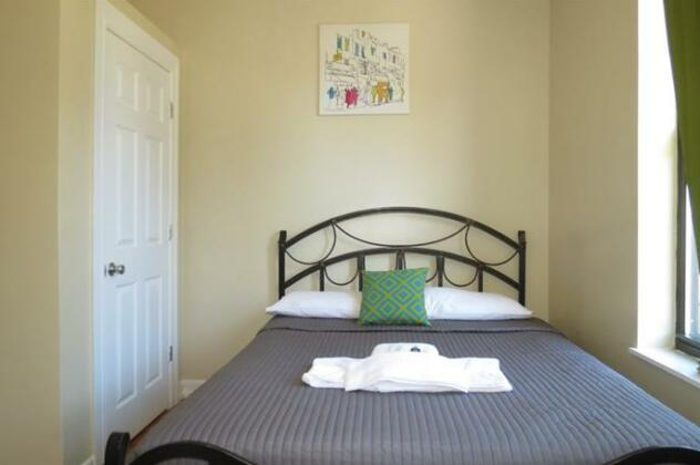 North Broadway Deluxe- Photo4