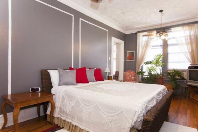 Saint Nicholas Inn Bed and Breakfast- Photo3