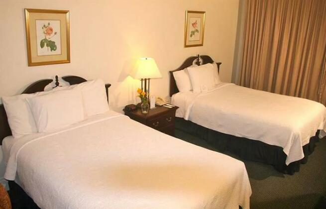 Salisbury Hotel- Photo4
