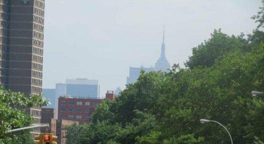 Uptown Manhattan Deluxe Apartment