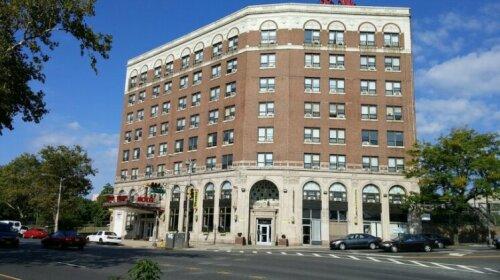 Hotel Riviera Newark