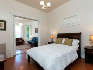Luxury Living Suites - 2027 Brush Street Unit 1