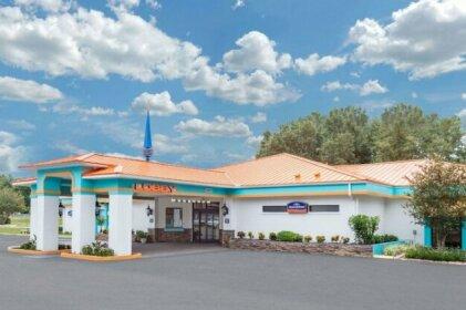 Howard Johnson by Wyndham Ocala FL Hotel