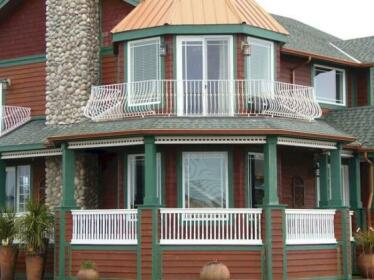 Collins Inn & Seaside Cottages