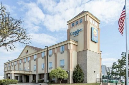Comfort Inn At Founder's Tower