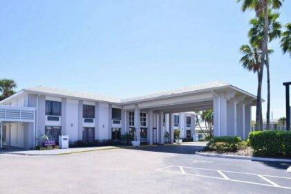 Clarion Inn & Suites Across From Universal Orlando Resort