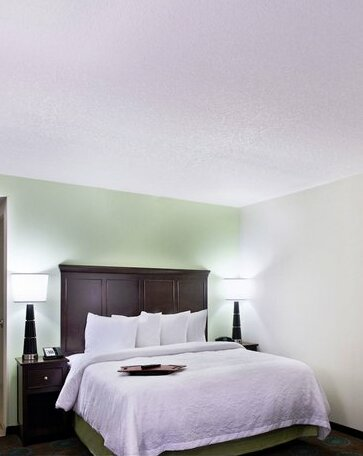 Hampton Inn & Suites Orlando North Altamonte Springs- Photo4