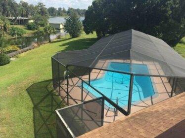 Modern Lakefront Duplex w/ Pool Hottub & Boating