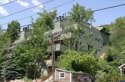 96 Daly Avenue Condominium By Alpine Ski Properties
