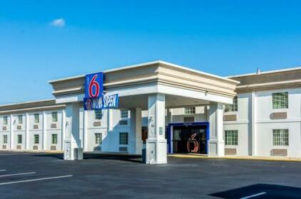 Motel 6 Ft Lee Petersburg