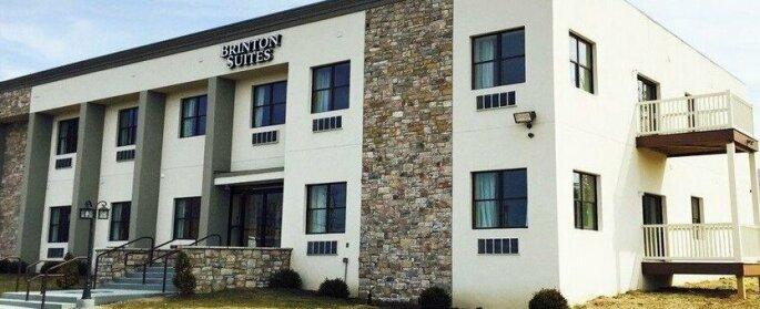 Brinton Hotel & Suites