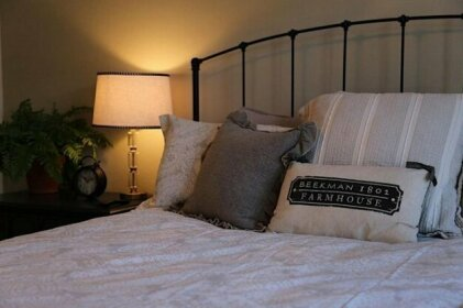 Biltmore Cloisters 2 BR by Casago