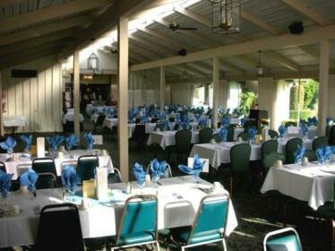 Baywood Country Club
