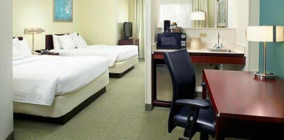 SummitSuite Pittsburgh Airport