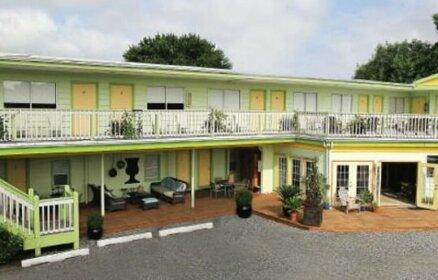The Shore Inn- Clothing Optional Hotel for Gay Men