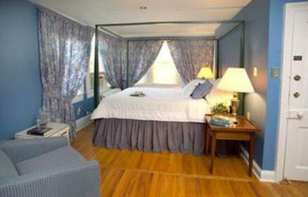 Beekman Arms Hotel