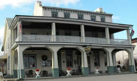 Empire House Hotel