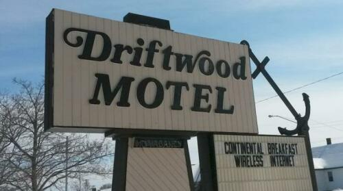 Driftwood Motel Rogers City