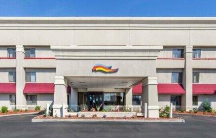 Baymont by Wyndham Detroit Roseville Hotel