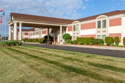 Days Inn & Suites by Wyndham Roseville Detroit Area