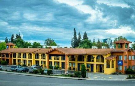 Super 8 Motel - Discover Park