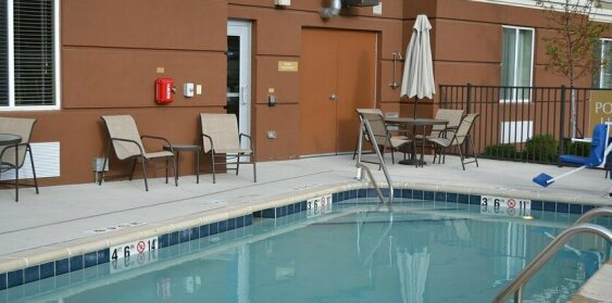 Candlewood Suites St Clairsville