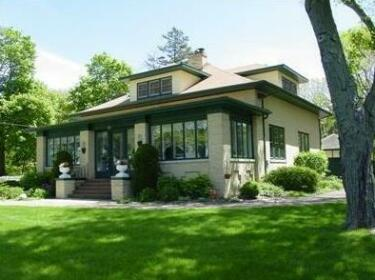 The Chestnut House Bed And Breakfast