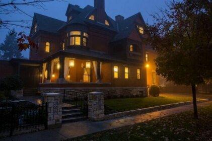 The New Victorian Mansion B&B