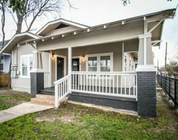 Hackberry St B Renovated 2BR Near Downtown SA