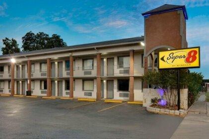 Super 8 by Wyndham San Antonio Downtown Museum Reach Motel