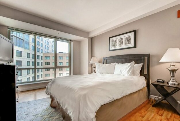Global Luxury Suites at Beale Street- Photo5