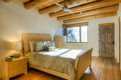 Luces de la Ciudad 4 Bedrooms Sleeps 8 Pool Table View Fireplace Deck