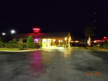 Deluxe Inn Savannah