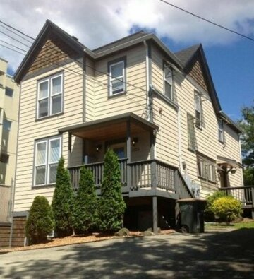 Renovated Bright 1 BR in the heart of Capitol Hill - APT B