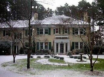 Knollwood House