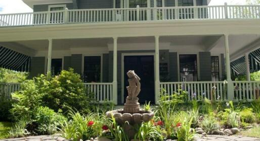 Lindenwood Inn