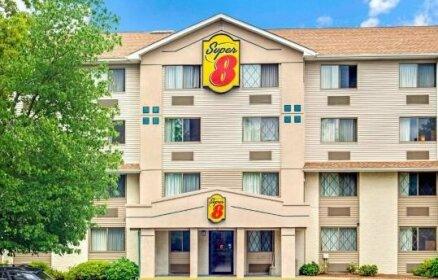 Super 8 by Wyndham Stamford New York City Area Hotel